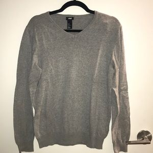 H&M vneck sweater 100% cotton